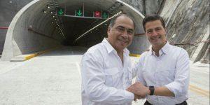 Peña Nieto y Astudillo Flores inauguran el Macrotúnel