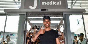 Douglas Costa llega a Juventus