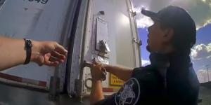 Migrante encerrado en tráiler bebió anticongelante para sobrevivir