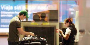 Intensifican revisión de electrónicos en vuelos de México a EE.UU.