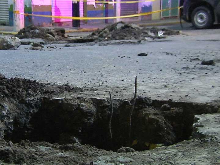 Se abre otro socavón, ahora en Ecatepec