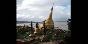 #Video Templo budista se hunde tras fuertes lluvias en Myanmar