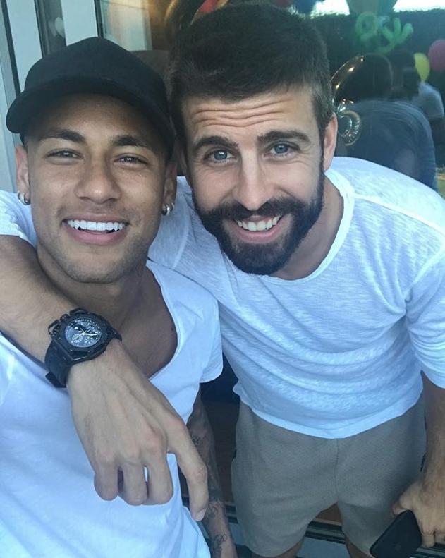 Piqué se disculpó por las fotos con Neymar