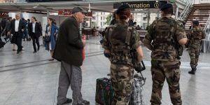 Desequilibrado ataca a militar en Lyon