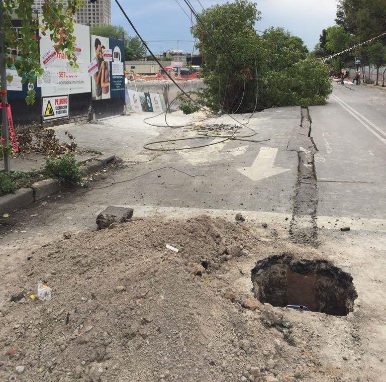 Suspenden obra por derrumbe de barda en Azcapotzalco