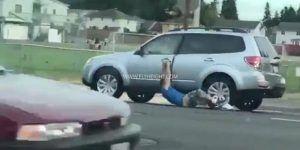 #Video Automovilista arrastra a ladrón por calles de Washington