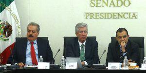 """""""No ofrecimos indemnizaciones por socavón"""": Ruiz Esparza. Familiares contradicen versión de secretario"""