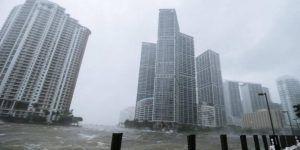 #Video Quedan atrapados por inundación en Miami