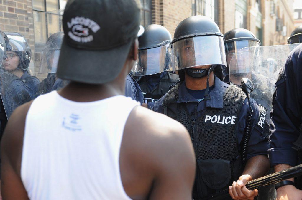 Protestas en EE.UU. por libertad de expolicía señalado de asesinato