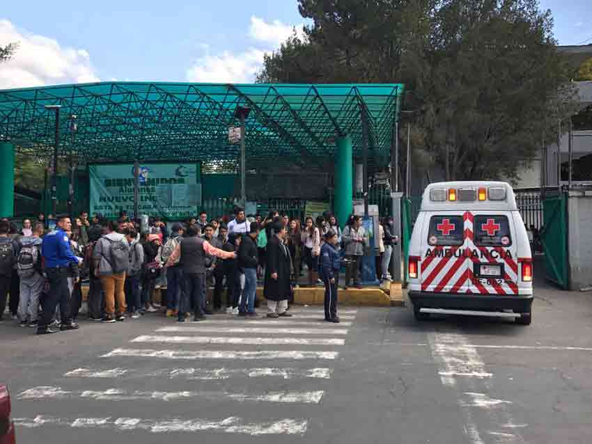 Alumno de Bachilleres recibe disparo dentro de un salón de clases
