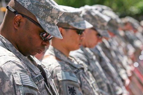 EEUU: Jueza bloquea veto de Trump a militares transgénero en el ejército