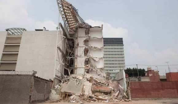 Vinculan a proceso a responsable de edificio colapsado en Portales
